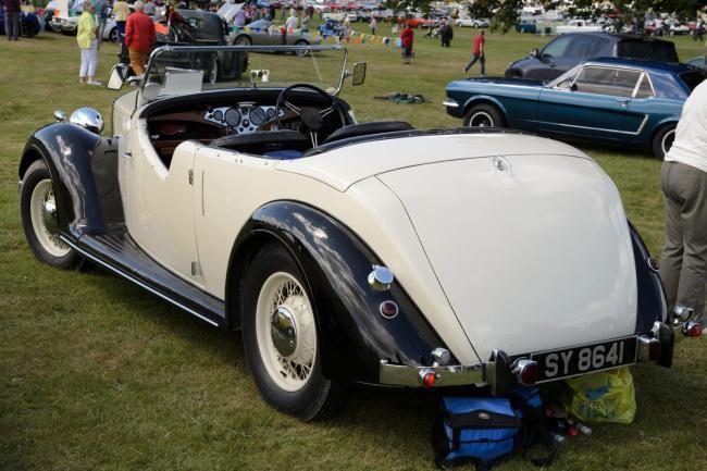Rover 12 Tourer (1947)